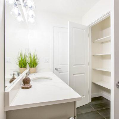 Valentina Main Bathroom with Closet