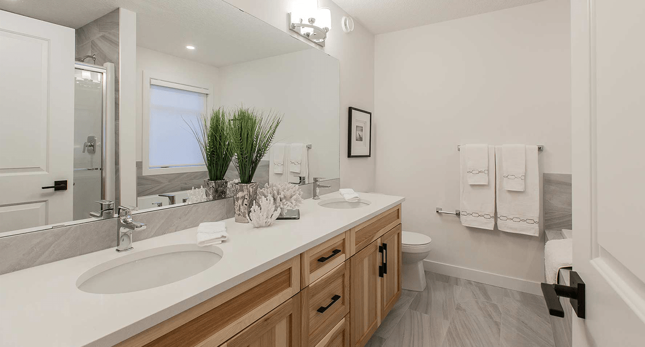 advantages building home with finished basement bathroom image min