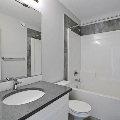 Keen Bathroom