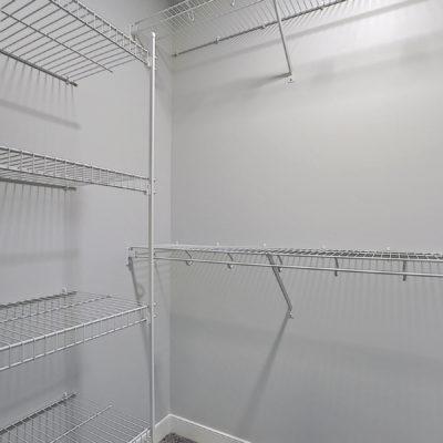 Keen Walk in Closet